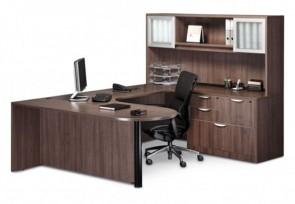 Poste de travail Classique avec table en D et modestie incluant pont/crédence et huche en option